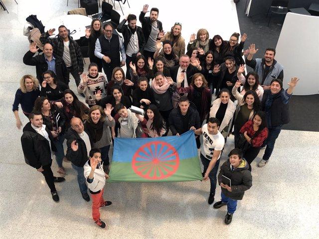 Asistentes a la Jornada sobre inclusión y comunidad gitana