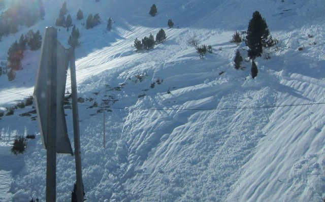 Aludes en el Pirineo oscense.