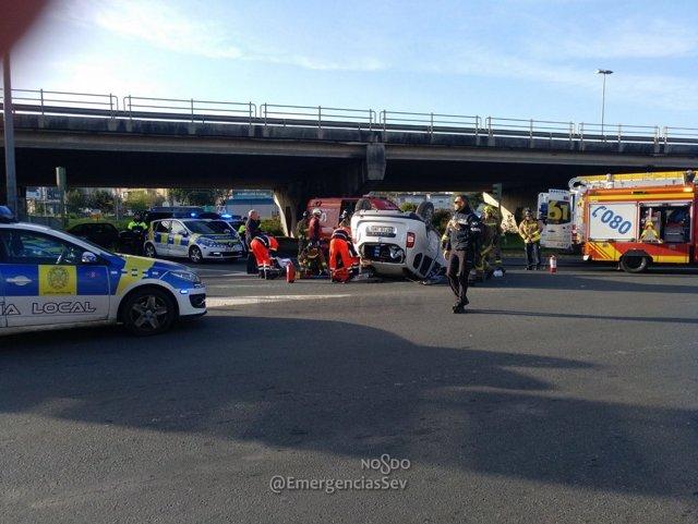 Accidente en la Glorieta del Parque Alcosa de Sevilla