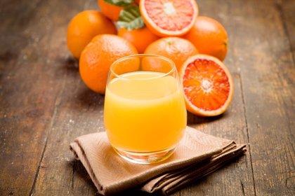 ¿Un vaso de zumo equivale a una de las cinco raciones de vegetales de una dieta saludable?
