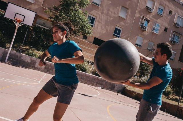 Práctica del baloncodo deporte creado en Málaga y extendido en nueve países