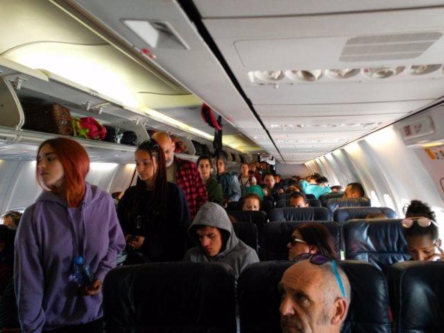 Pasajeros retenidos nueve horas en el aeropuerto de Argel en el avión de regreso