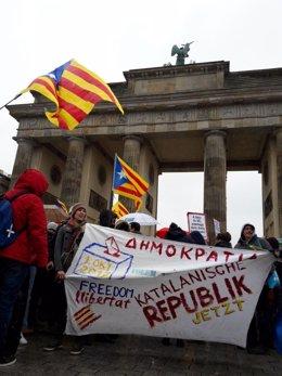 Manifestación de la ANC en Berlín para reclamar la liberación de Puigdemont