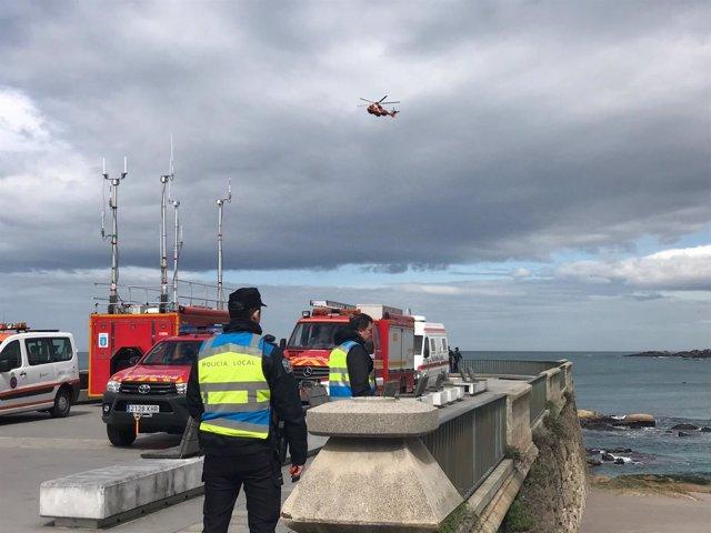 Búsqueda de la joven arrastrada por el mar en A Coruña