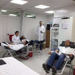 Trabajadores de ElPozo Alimentación donando sangre
