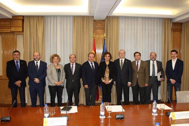 Reunión de la ministra con el Foro de Médicos de Atención Primaria