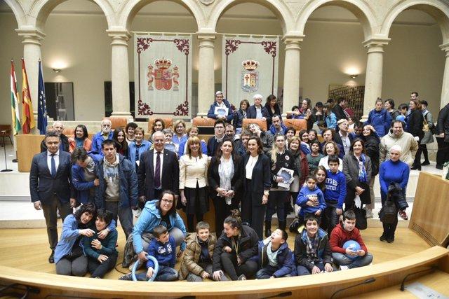 Día del Autismo lectura manifiesto Parlamento riojano