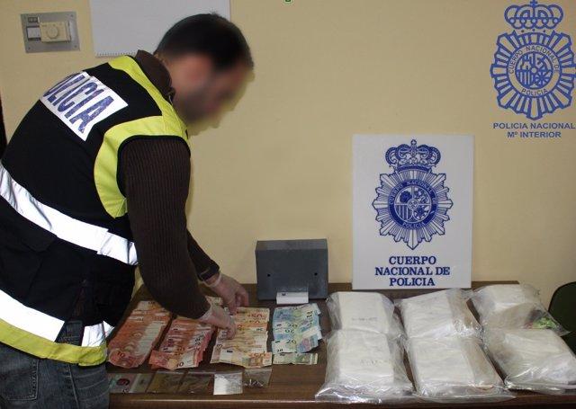 Material incautado por la Policía Nacional tras desarticular el grupo criminal