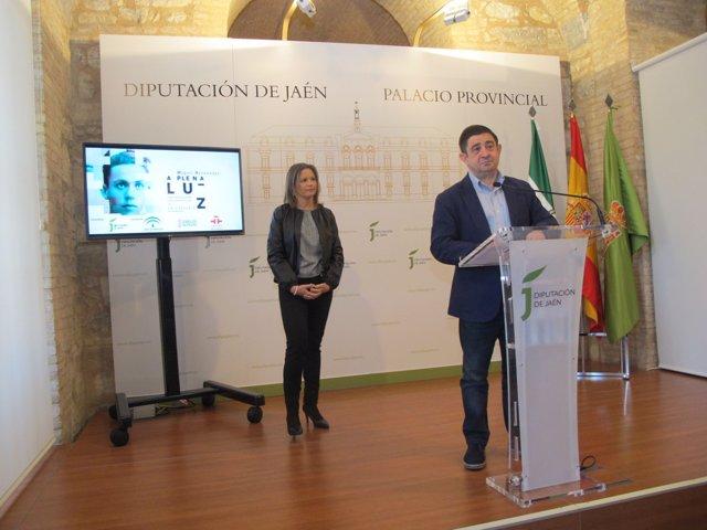 Presentación de las ciudades por las que pasará 'Miguel Hernández, a plena luz'.