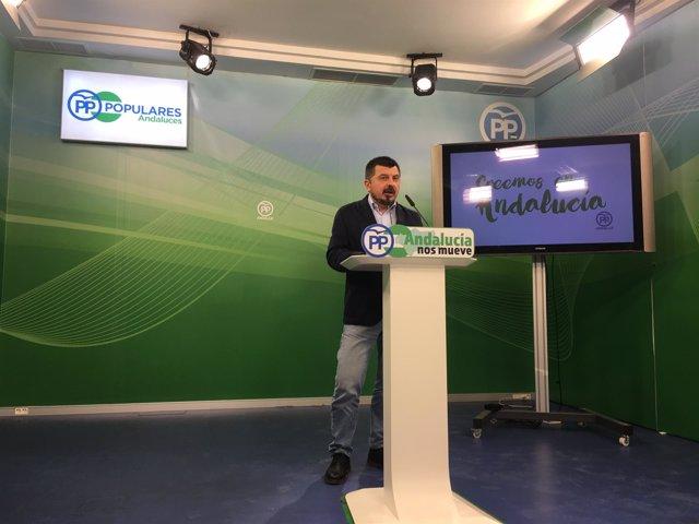 Toni Martín, este lunes, en rueda de prensa