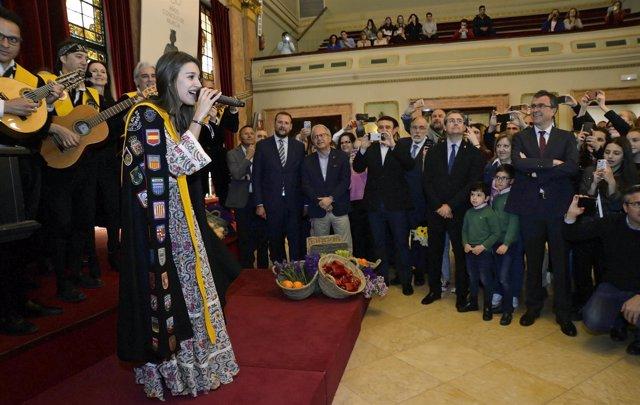 La cantante de OT, Ana Guerra, en Salón de Plenos de Murcia