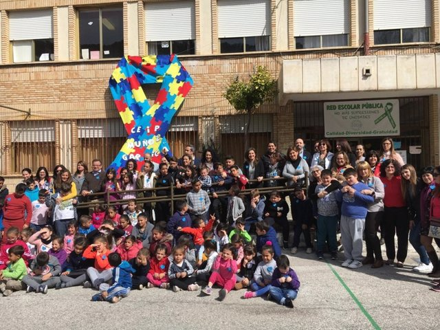Día del Autismo en el CEIP Muñoz Garnica
