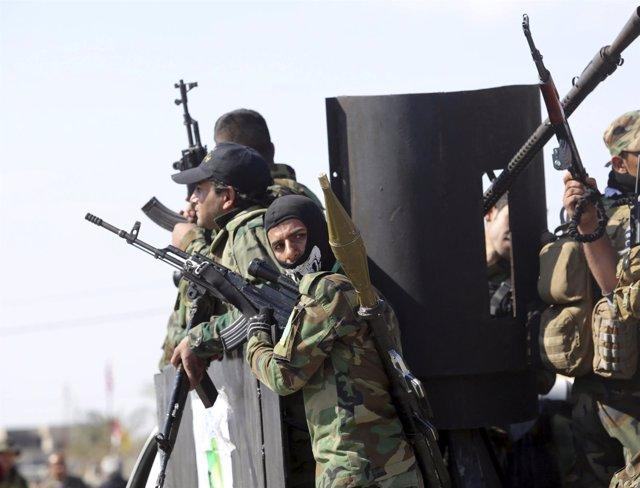Soldados iraquíes en Tikrit luchan contra el Estado Islámico