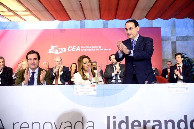 González de Lara junto a Susana Díaz tras ser reelegido presidente de la CEA
