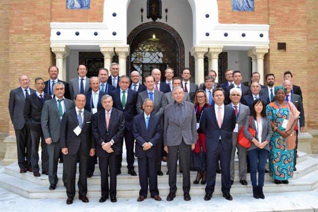 Miembros del Consejo Asesor Internacional de Política de Empresa