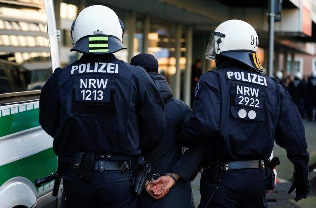 Policías antidisturbios alemanes