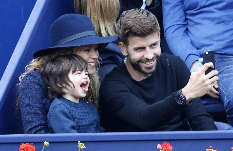 Shakira, Gerard Pique Y Su Hijo Milan