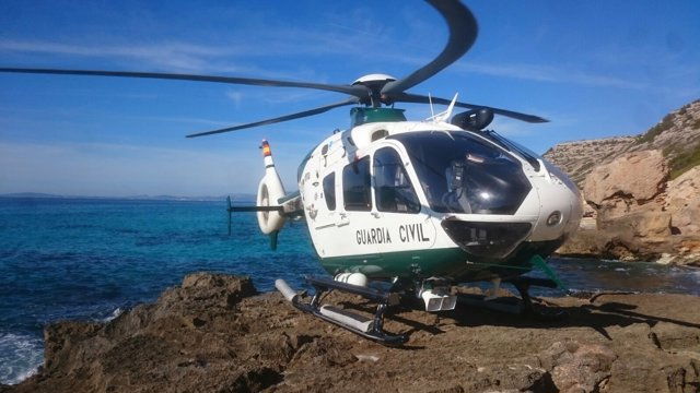 El helicóptero de la Guardia Civil en un rescate