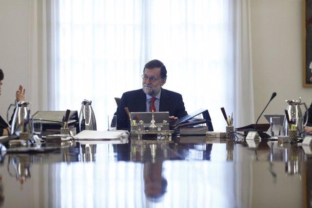 Rajoy preside la reunión del Consejo de Ministros
