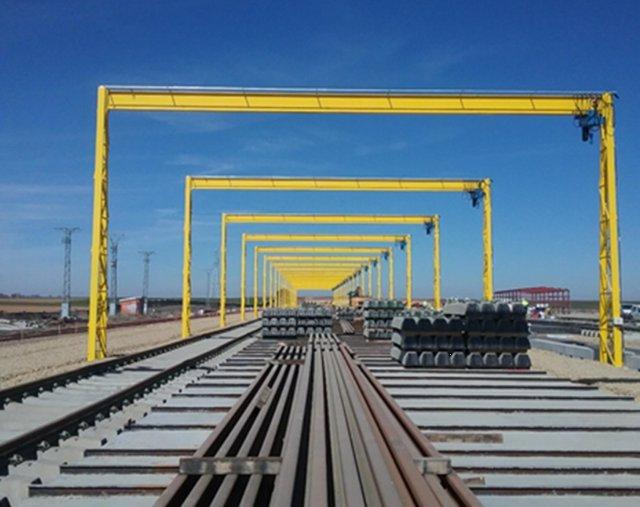 Base de La Hiniesta para montaje de vías del AVE