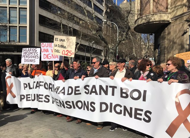 Manifestación en defensa del sistema público de pensiones en Barcelona