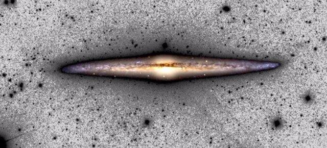 Imagen compuesta de NGC 4565 usada en el estudio