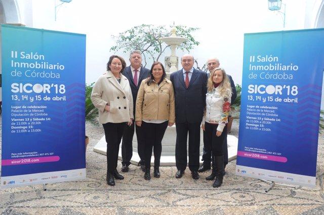 Carrillo (centro), en la presentación de 'Sicor 2018'