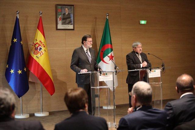 Rueda de prensa de Rajoy en Argelia