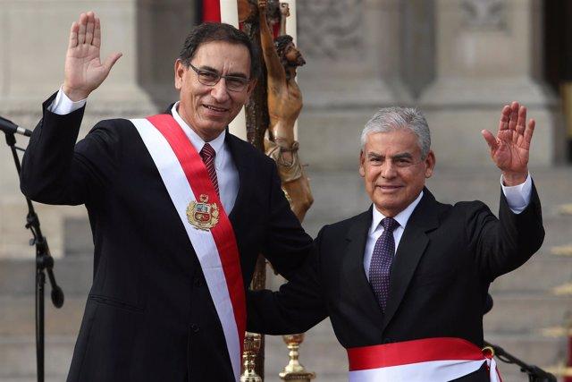 El presidente de Perú, Martín Vizcarra, y el primer ministro, César Villanueva