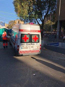 Una ambulancia de Cruz Roja en el Bando de la Huerta