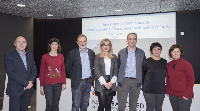 Luis Gabilondo con el equipo que ha realizado el trabajo de investigación