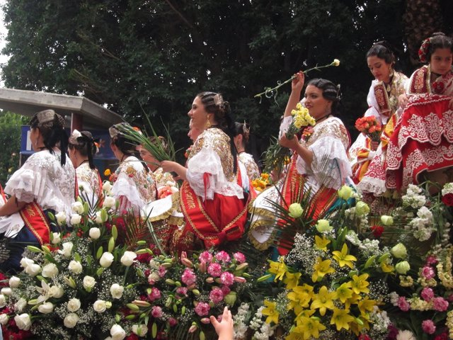 Batalla Flores, Fiestas Primavera, carroza, reinas huerta