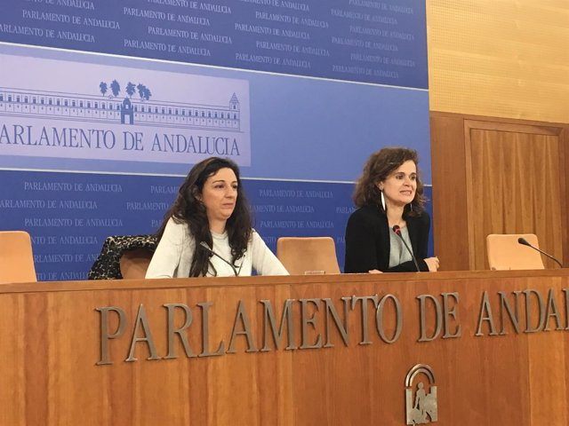 Las diputadas de Podemos Andalucía Libertad Benítez y Esperanza Gómez