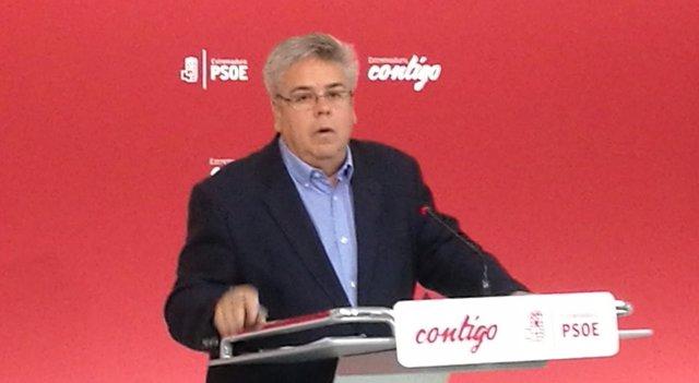 Ignacio Sánchez Amor en la rueda de prensa de este miércoles en Mérida