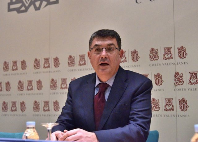 El presidente de las Corts, Enric Morera