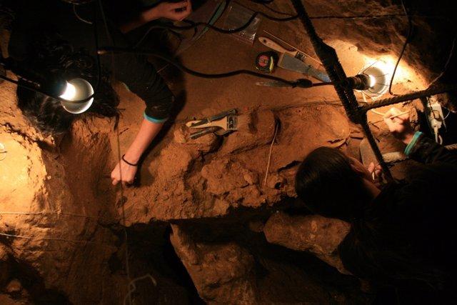 Yacimiento de la cueva de El Sidrón, en Piloña