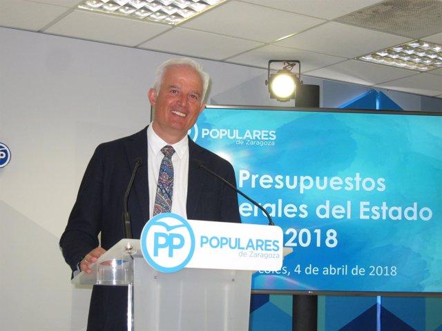 El diputado del PP en el Congreso, Eloy Suárez, hoy en la sede de PP en Zaragoza
