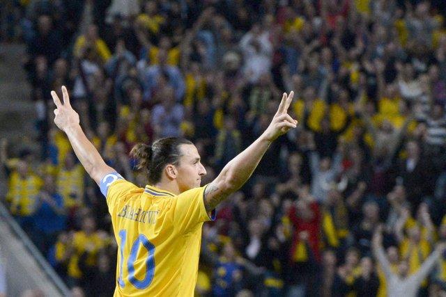 Ibrahimovic saca los colores a Inglaterra