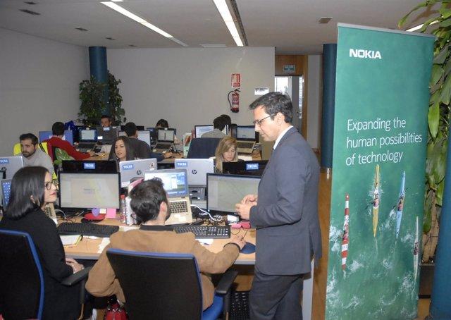 El alcalde de Granada, Francisco Cuenca, en un acto formativo