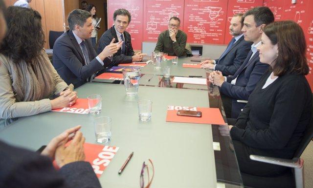El PSOE recibe a Societat Civil Catalana