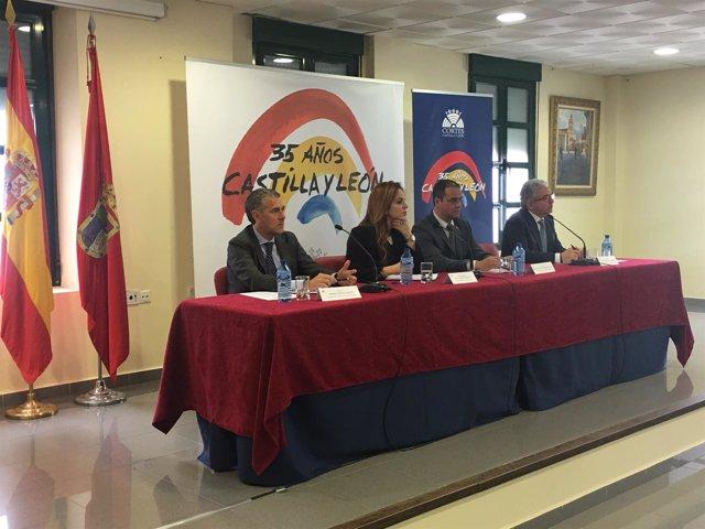 Silvia Clemente en la reunión con alcaldes del Carracillo, 4-4-18