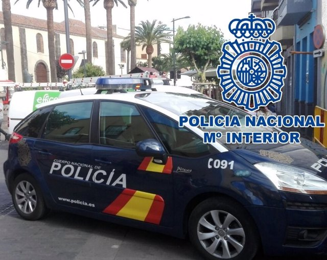 Coche de la Policía Nacional en La Laguna
