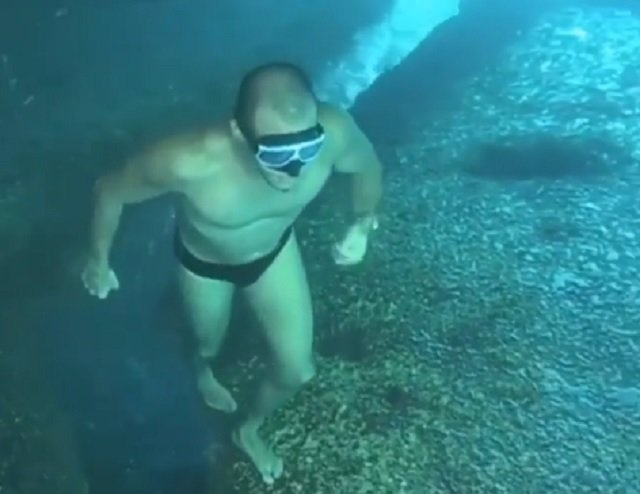 Submarinista en apnea