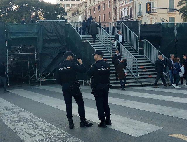 Policía nacional, agentes, tribuna, Semana Santa, seguridad