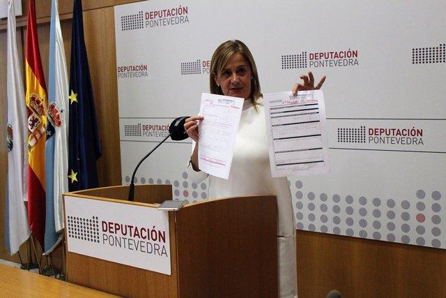 Silva exhibe las solicitudes para imprimir carteles de veteranos legionarios