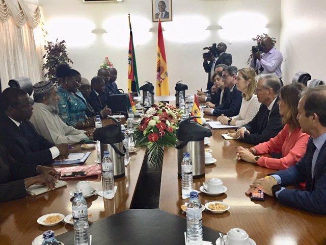 Delegaciones del Congreso de España y de la Asamblea de Mozambique