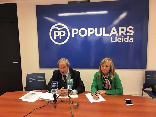 José Ignacio Llorens y la Presidenta del PP en Lleida Marisa Xandri