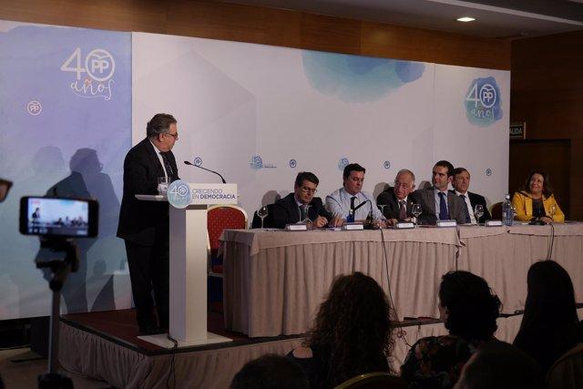 Zoido interviene en la junta directiva del PP de Almería