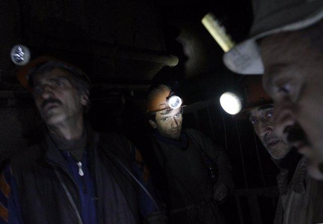 Mineros en una mina de carbón en la ciudad de Tkibuli