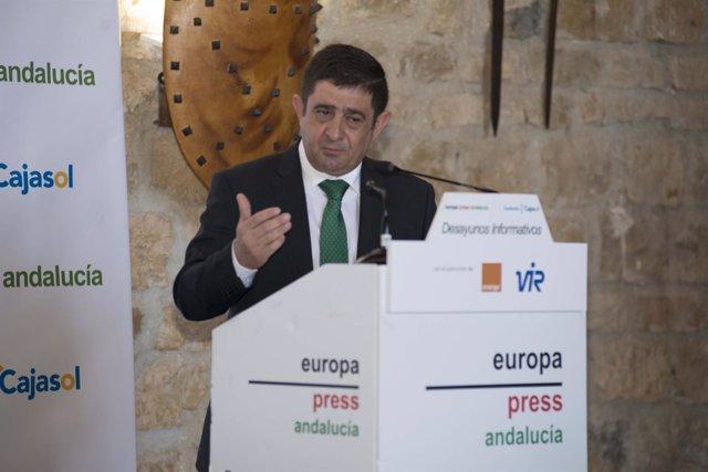 El presidente de la Diputación de Jaén, en los desayunos de Europa Press